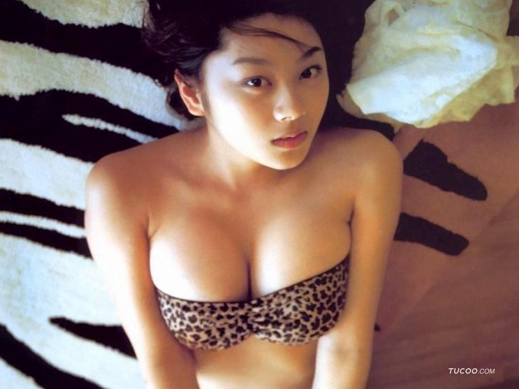 Asian chick in fluffy furry bikini sucking cock in pov - 3 6