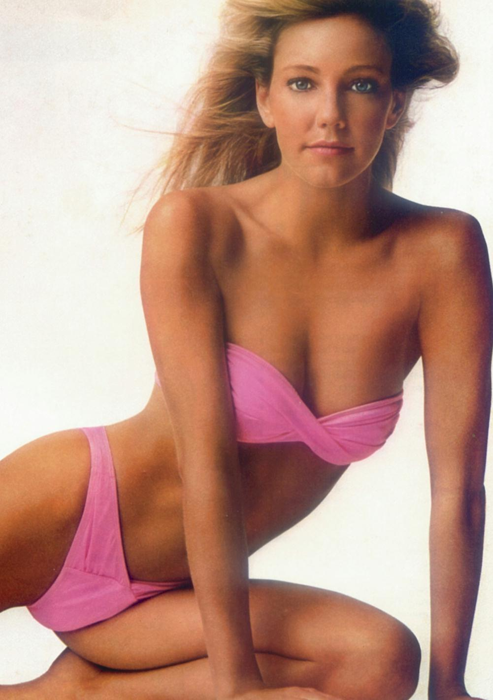heather-locklear-pink-bikini-tv-731611409.jpg
